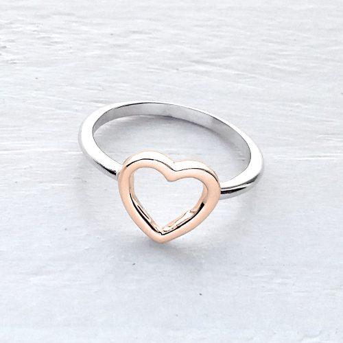 83f1b7346b2f0c Scegli · Anello in oro bianco con cuore ...