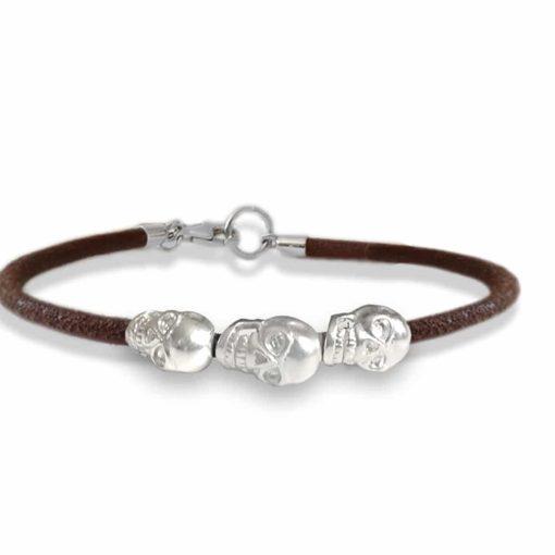 braccialetto con i teschi