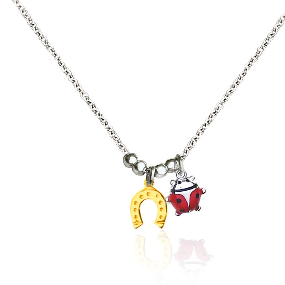 Collana in argento con ciondolo coccinella e ferro di cavallo dorato